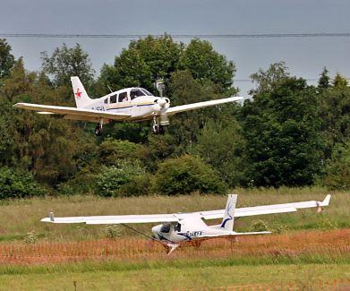 Piper PA28 landing