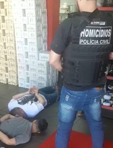 Presos em Rio Verde pai e filho suspeitos de execução na Feira da Marreta, em Goiânia