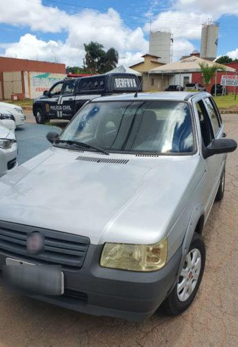 DERFRVA recupera carro roubado; veículo ostentava placa fria