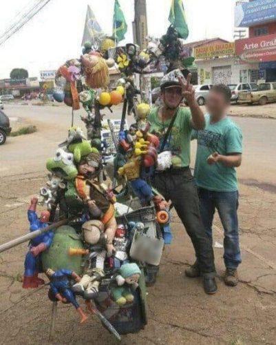 Mãe e filha são presas pela Polícia Civil suspeitas de agredir e matar catador de recicláveis; vítima se recusou a entregar R$ 2