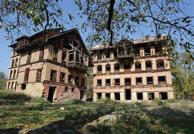 Empty houses of Kashmiri Pandit