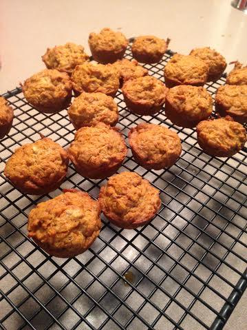 Cupcake treats for you AND your dog! | RaisingArrows.net