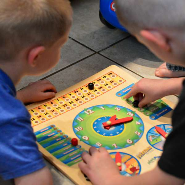 Using an Everyday Board for Preschool Circle Time (and mom's sanity!) | RaisingArrows.net
