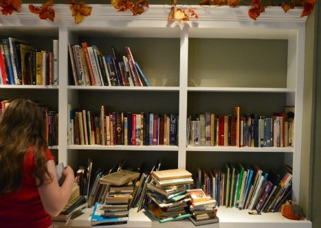 How to Simplify and Organize Your Homeschool Library   RaisingArrows.net