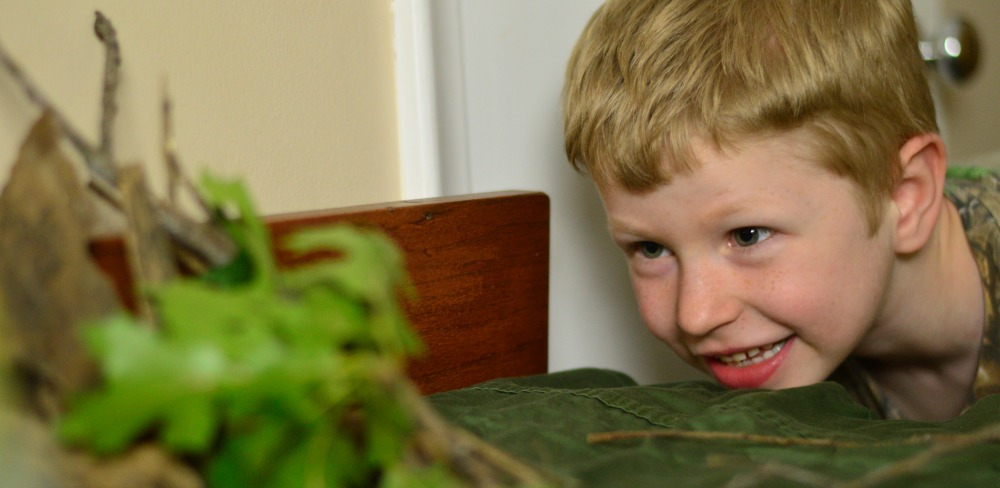 Creating a Nature Table - a simple homeschool nature journaling solution!