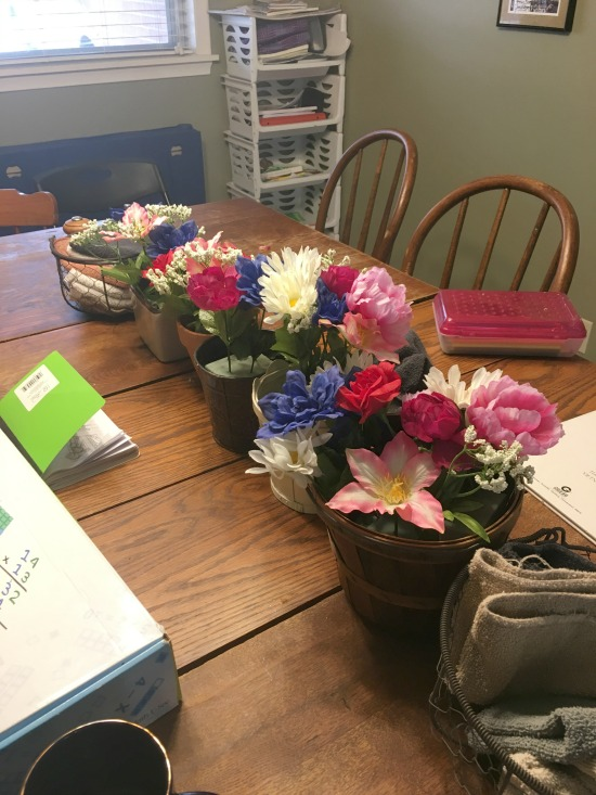 floral centerpieces in this week's Large Family Homeschooling Review!