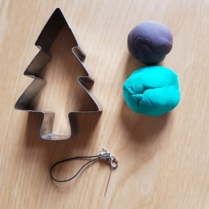 How to Make Easy Jumping Clay Tree Decorations. - Tree 2