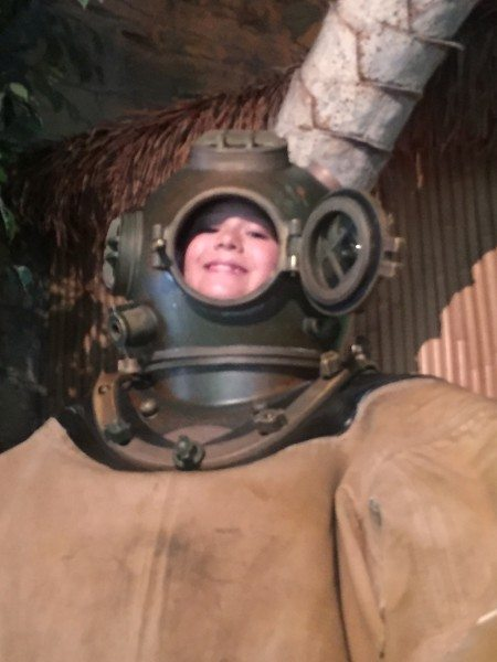 Jenkinsons Aquarium deep sea diver
