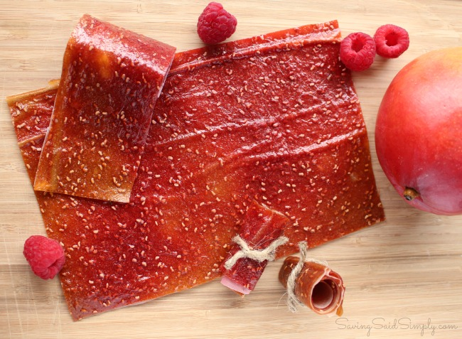 Diy fruit leather mango berry Easy DIY Fruit Leather   Produce for Kids is Feeding America - Make this easy DIY fruit leather at home and find out how your family can give back. #Recipe #HealthyRecipe #Snacks