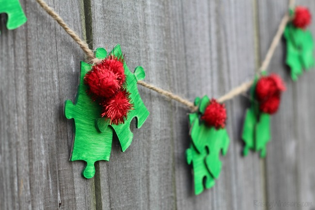 Christmas kids craft holly garland