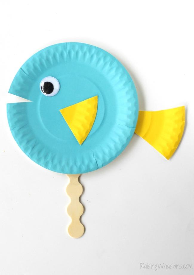 Finding Dory paper plate craft idea Finding Dory Craft Paper Plate Puppets #FindingDoryEvent | Easy DIY Finding Dory Craft Idea with paper plates & Disney inspiration. Make Nemo & Dory #FindingNemo #FindingDory #Disney #Craft #PartyPlanning #DIY #DisneyParty #DisneyDIY