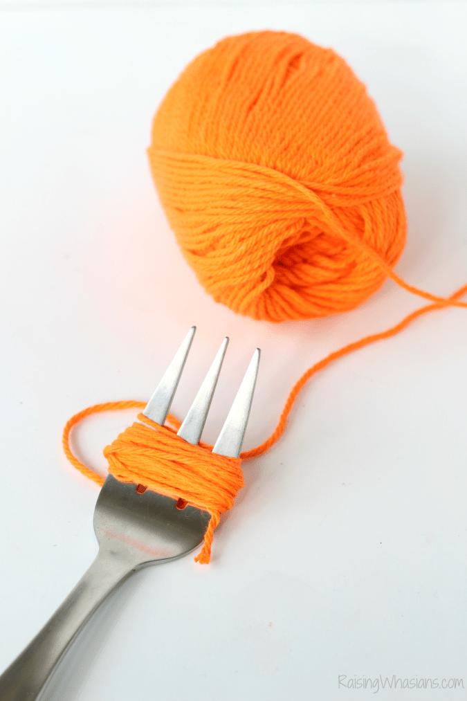 Yarn pumpkin diy