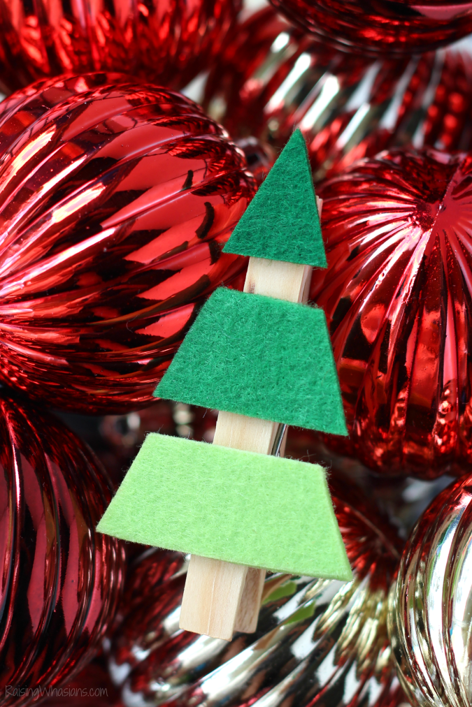 Easy Christmas tree kids craft