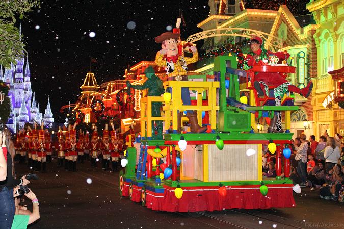 Mickey's very merry Christmas party family tips