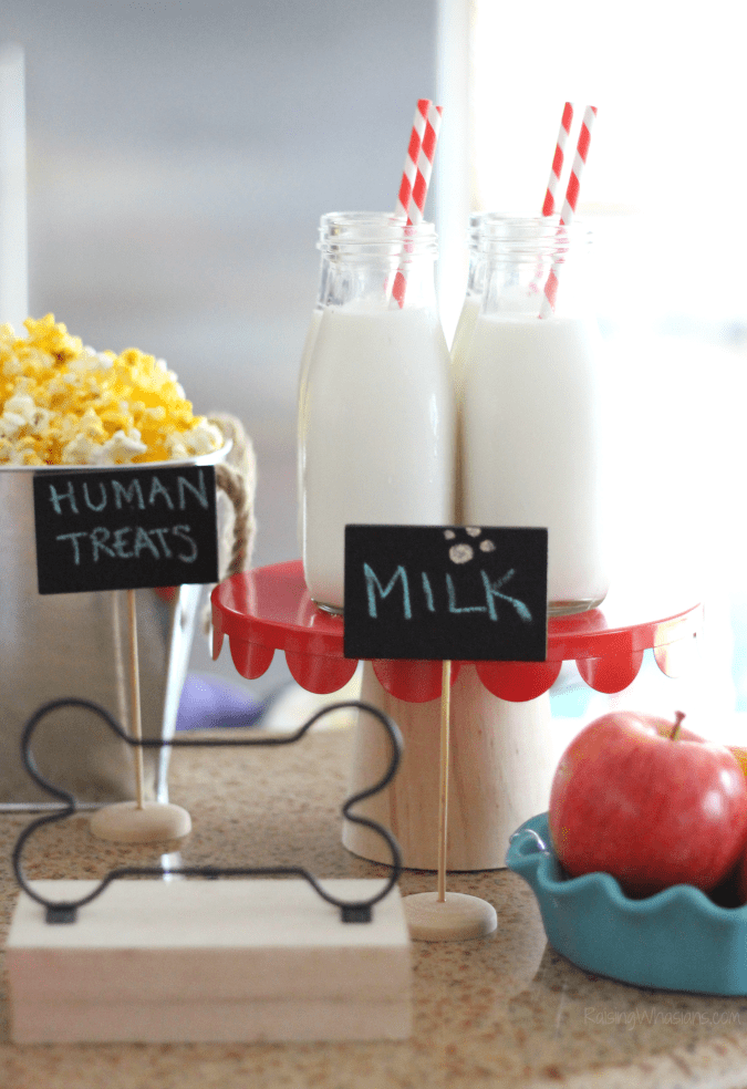 Pets movie party The Secret Life of Pets Puppy Chow & Family Movie Night Ideas   Make an easy The Secret Life of Pets inspired snack + ideas for a pet inspired movie party #PartyPlanning #Recipe
