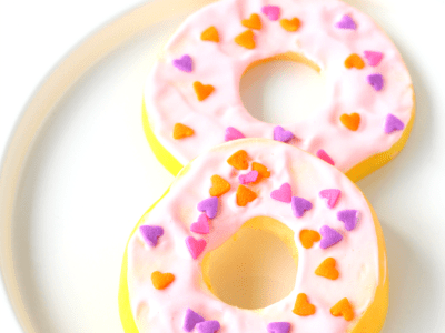 Healthy apple doughnuts for Valentine's day