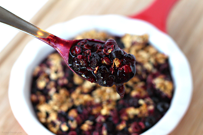 Grilled blueberry crisp dessert easy