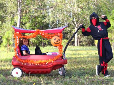 DIY trick-or-treat wagon