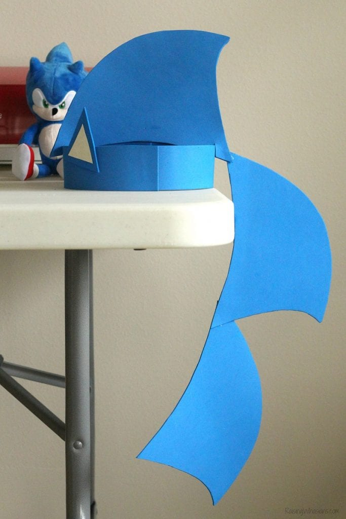 Sonic party hat diy