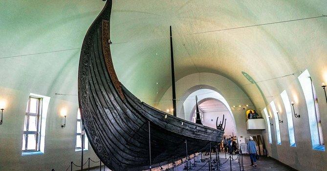 Bezoek aan het Museum. Visite au Musée