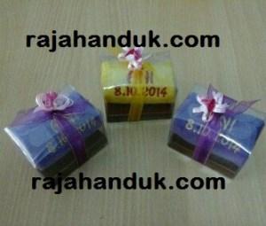 rajahanduk.com Jual Souvenir Handuk & Hamper Handuk