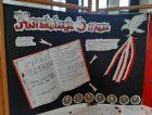 Zdjęcie przedstawiajace plakatk dotyczacy rocznicy uchwalenia konstytucji 3 maja