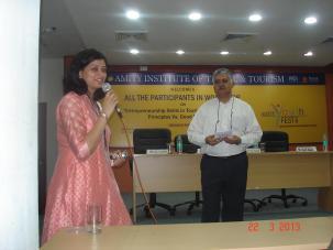 Rajiv Bajaj interacting with faculty and students at Amity University Noida