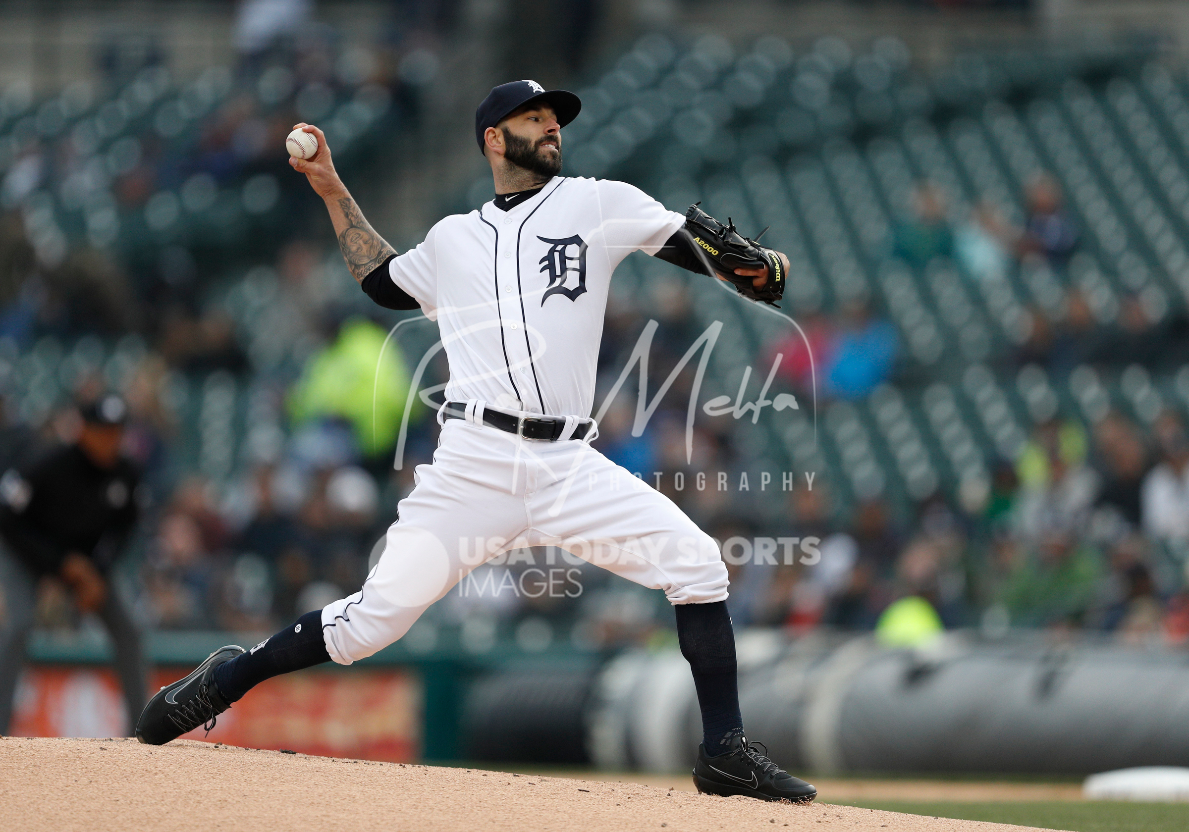 Apr 13, 2018; Detroit, MI, USA; Detroit Tigers starting pitcher Mike Fiers (44) pitches the ball during the first inning against the New York Yankees at Comerica Park. Mandatory Credit: Raj Mehta-USA TODAY Sports