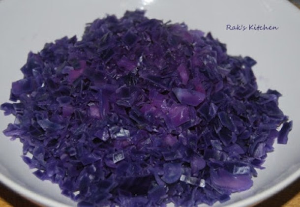 Purple cabbage poriyal step 1