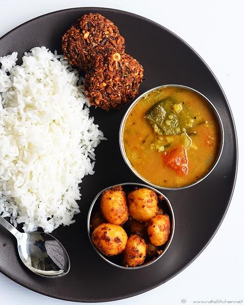 Vazhaipoo vadai, sambar curry