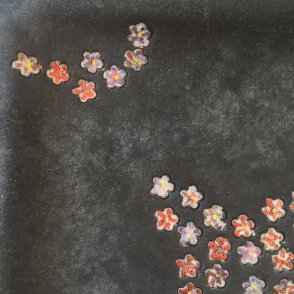 plat-petit-fleurs-cerisiers-details