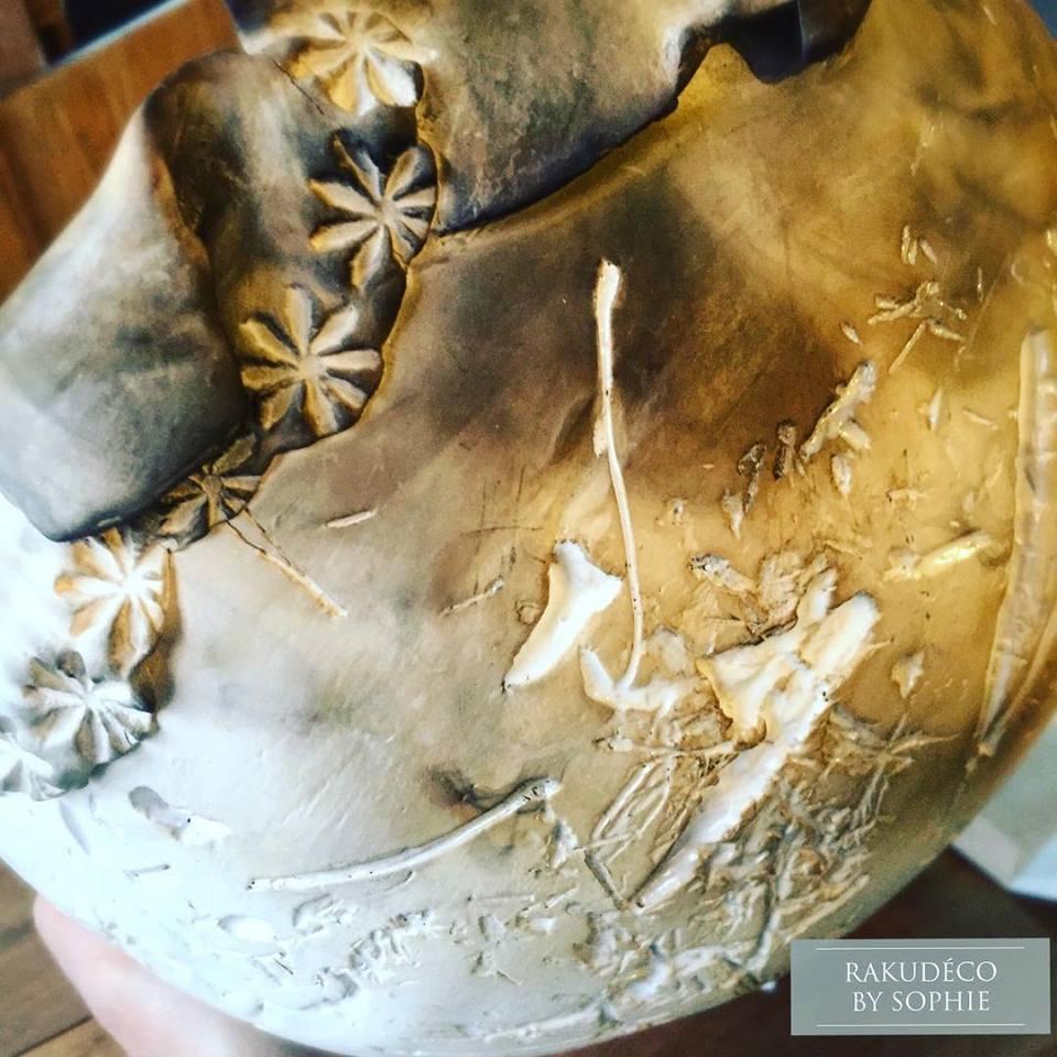terre polie enfumee ciree sculpture