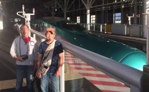 念願の北海道新幹線を前にご満悦の二人