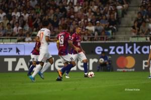 Lukas Podolski on the attack in his debut J.League match for Vissel Kobe