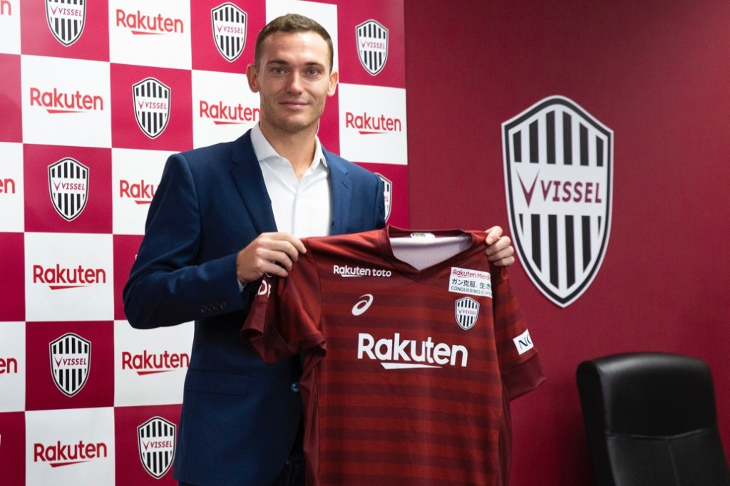 """""""I want to bring the experience of playing at Barcelona to Vissel and help make a formidable defense,"""" said new Vissel Kobe signee Thomas Vermaelen."""