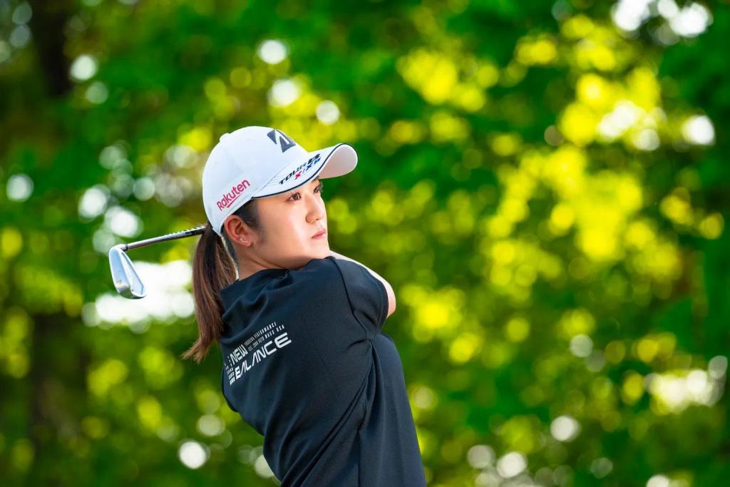 Rakuten-sponsored golf star Mone Inami.