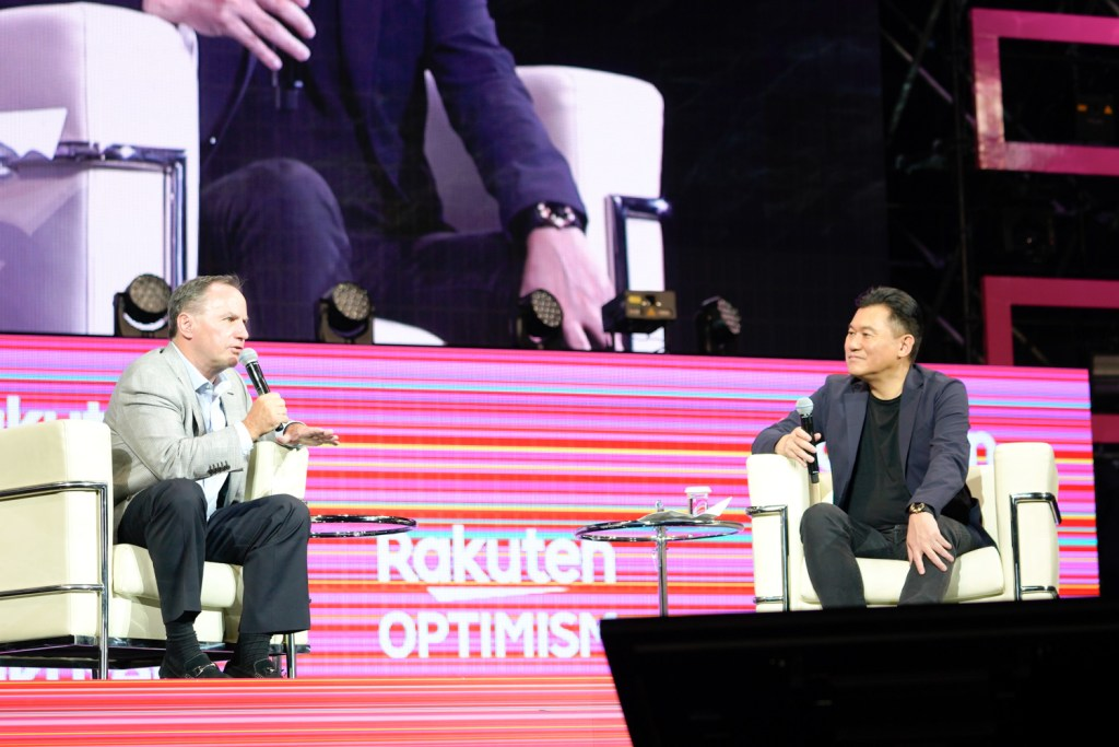 Former Intel CEO Bob Swan and Rakuten CEO Mickey Mikitani on stage at Rakuten Optimism 2019 in Yokohama, Japan, discussing how 5G will empower network cloudification, autonomous driving and more.