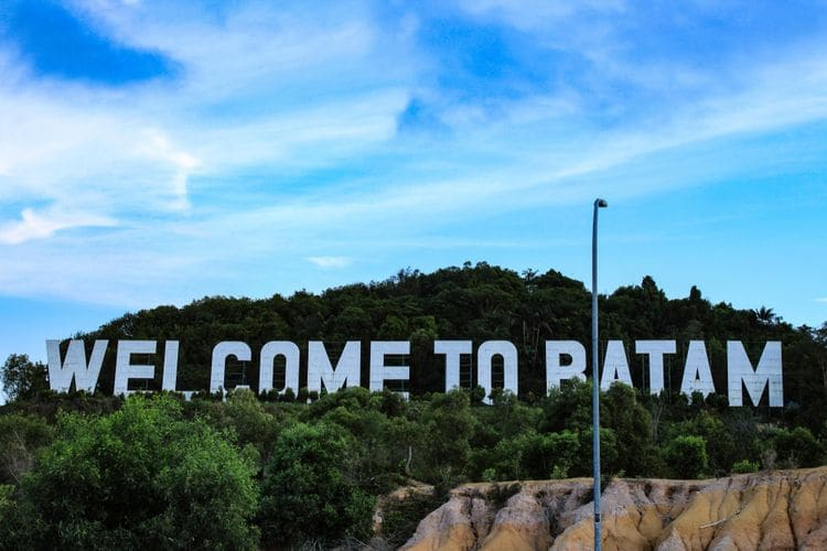 Welcome to Batam Monument.