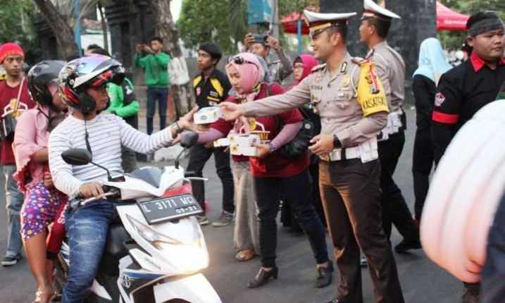 Ngabuburit Safety Riding Bareng2