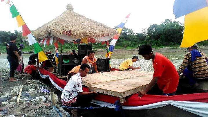 Warga Desa Mori Berswadaya dan Bergotong royong,