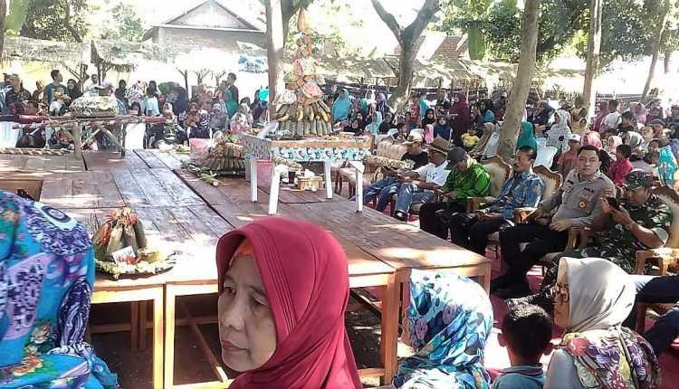 Meriah, Gebyar Festival Lontong Kikil Trucuk