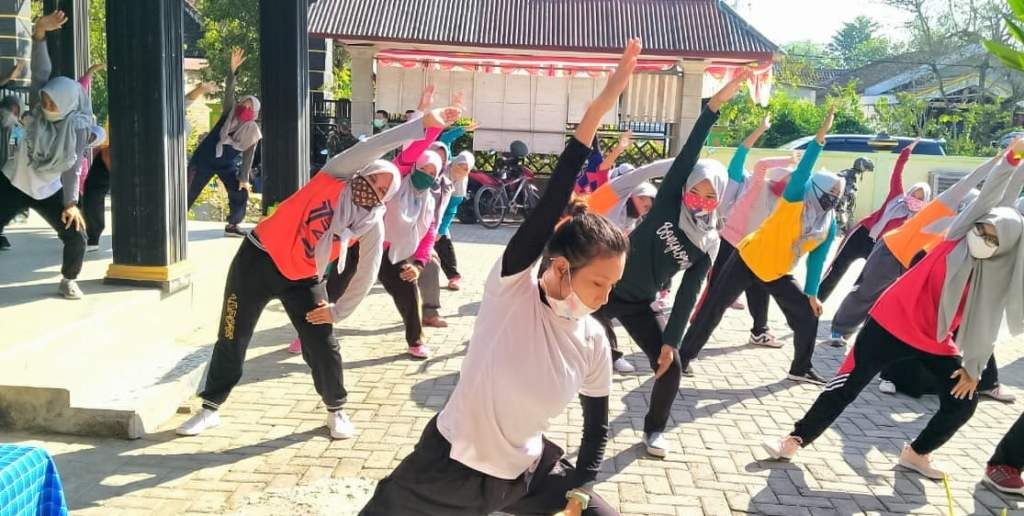 Di TMMD Imbangan 2020, Dinpora Gelar Pelatihan Senam Energik Bojonegoro Produktif, di Desa Lebaksari, Baureno 1