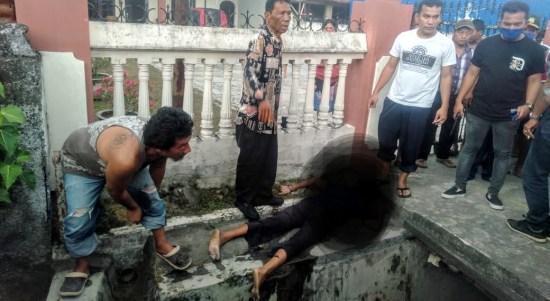 Sesosok mayat ditemukan mengambang di parit di Jalan Perjuangan, Kelurahan Sei Kera Hilir I, Kecamatan Medan Perjuangan. Foto: Istimewa