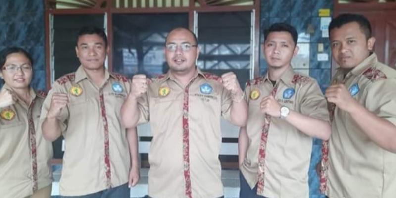 Para pengurus Forum Pemuda Peduli Pendidikan Karo (FP3K). Foto: Istimewa