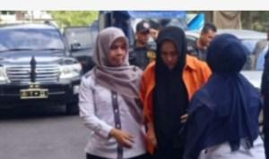 Zuraida Hanum terdakwa dalang pembunuhan hakim Jamaluddin. Foto: viva.co.id