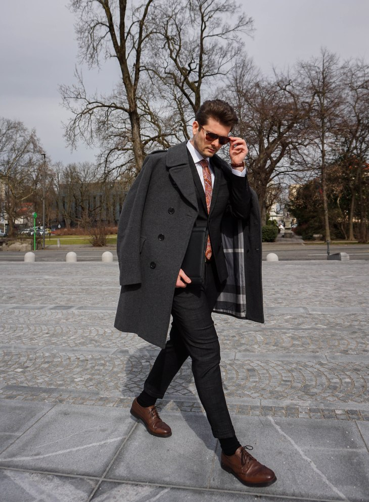 Rale Popic, Burberry coat, Barons shirt, Bowsnties tie, picard, frenchy and mercury sunglasses