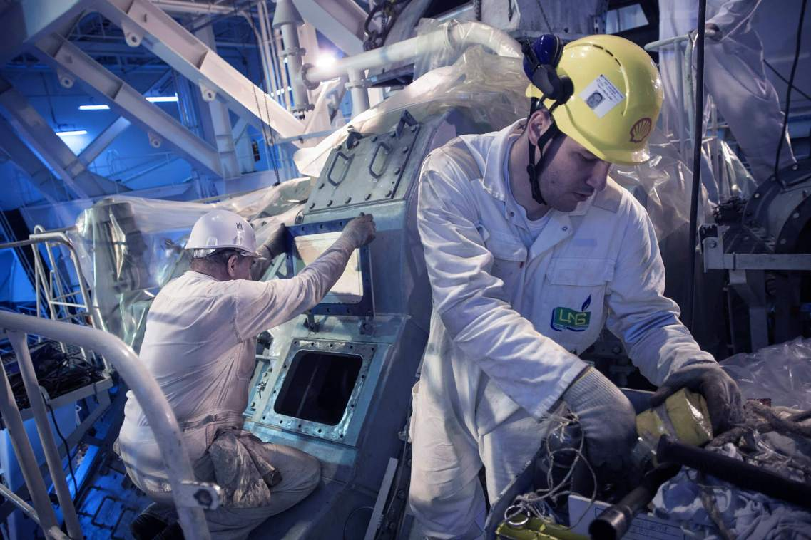 Maintenance of the Engines of the LNG Sokoto. Brest, France.