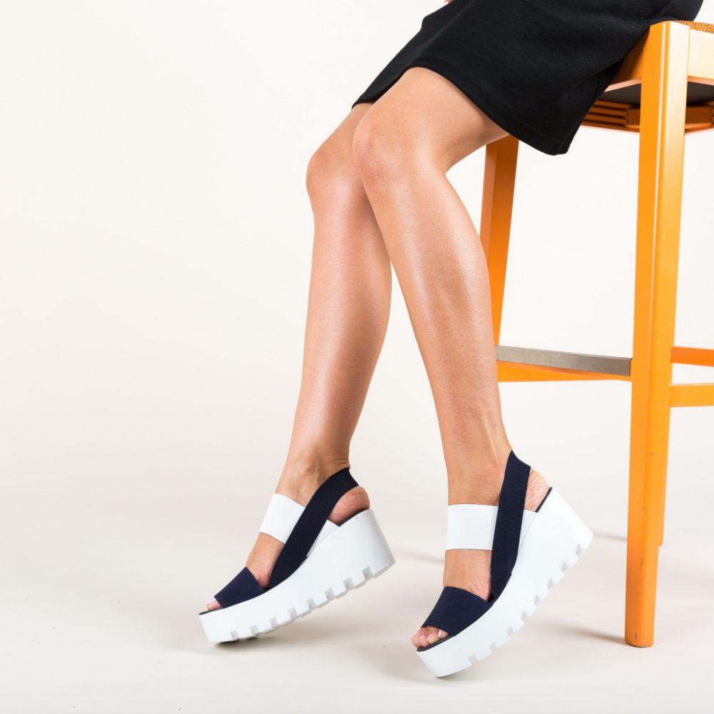 Sandale cu platforma si barete alb- albastru marin din elastic