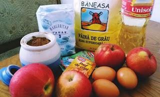 Ingrediente chec cu mere si praf de roscove