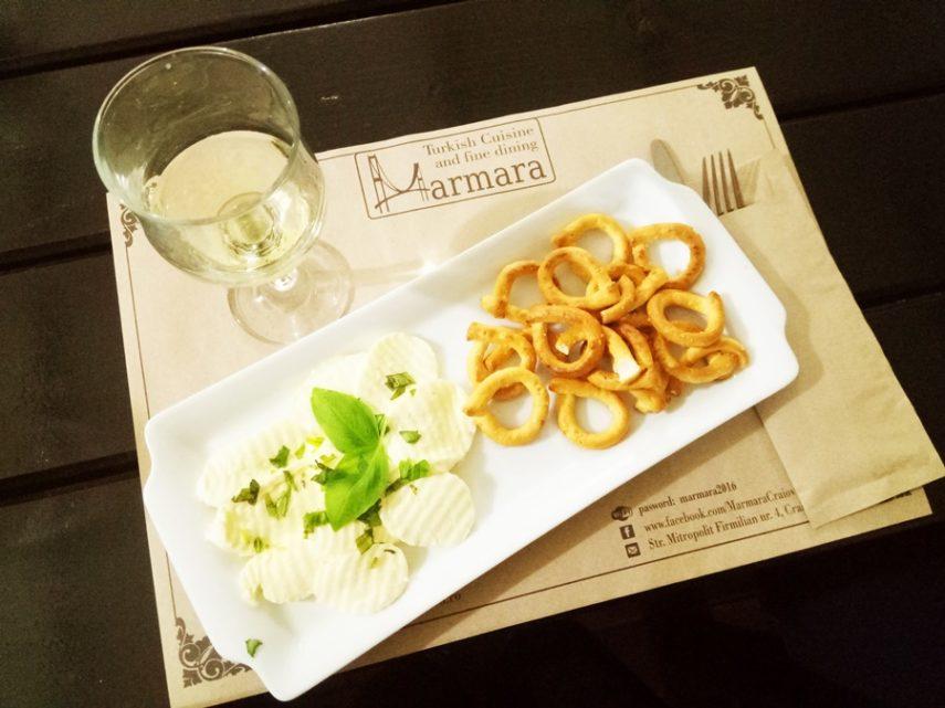 Budureasca Sauvignon Blanc sec – Mozzarella, busuioc
